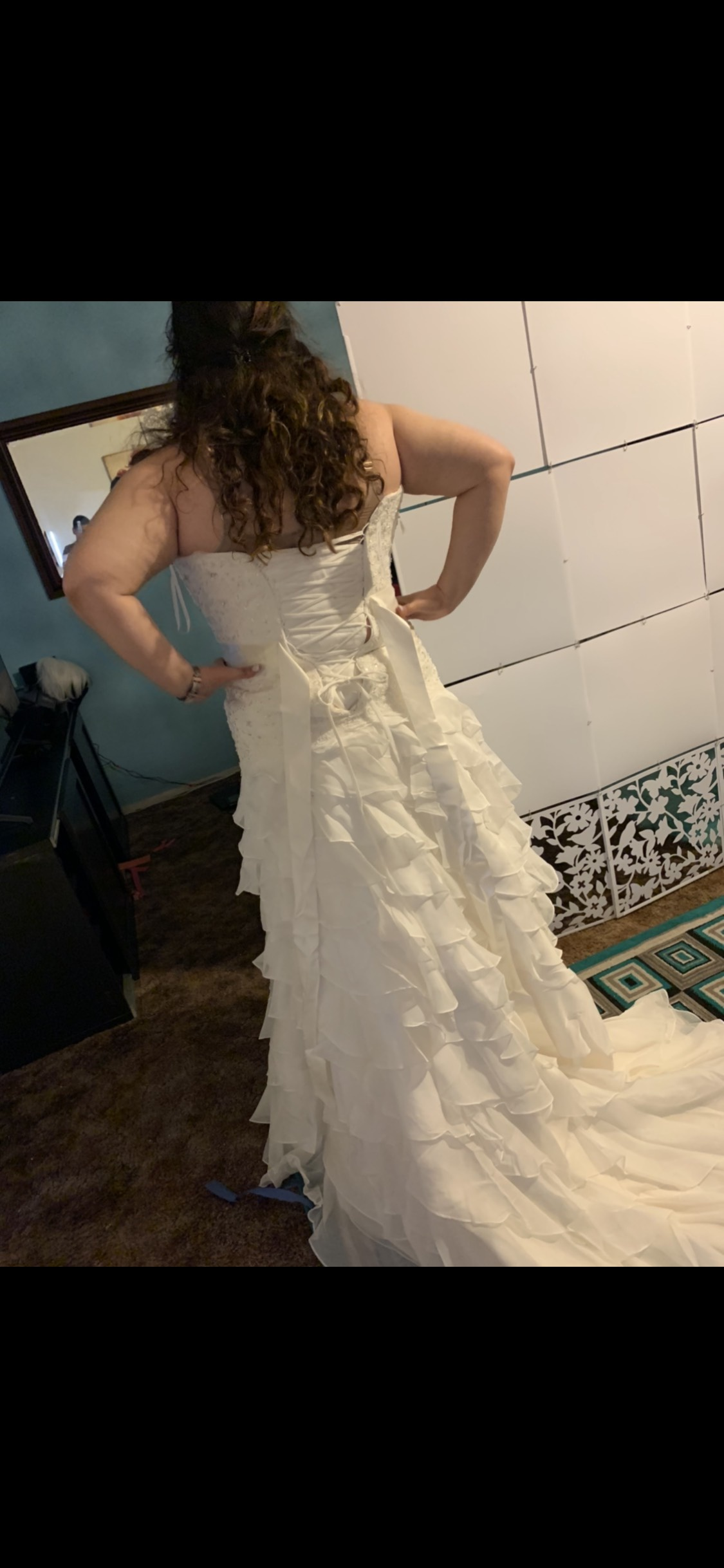 White Size 18 Train Dress on Queenly