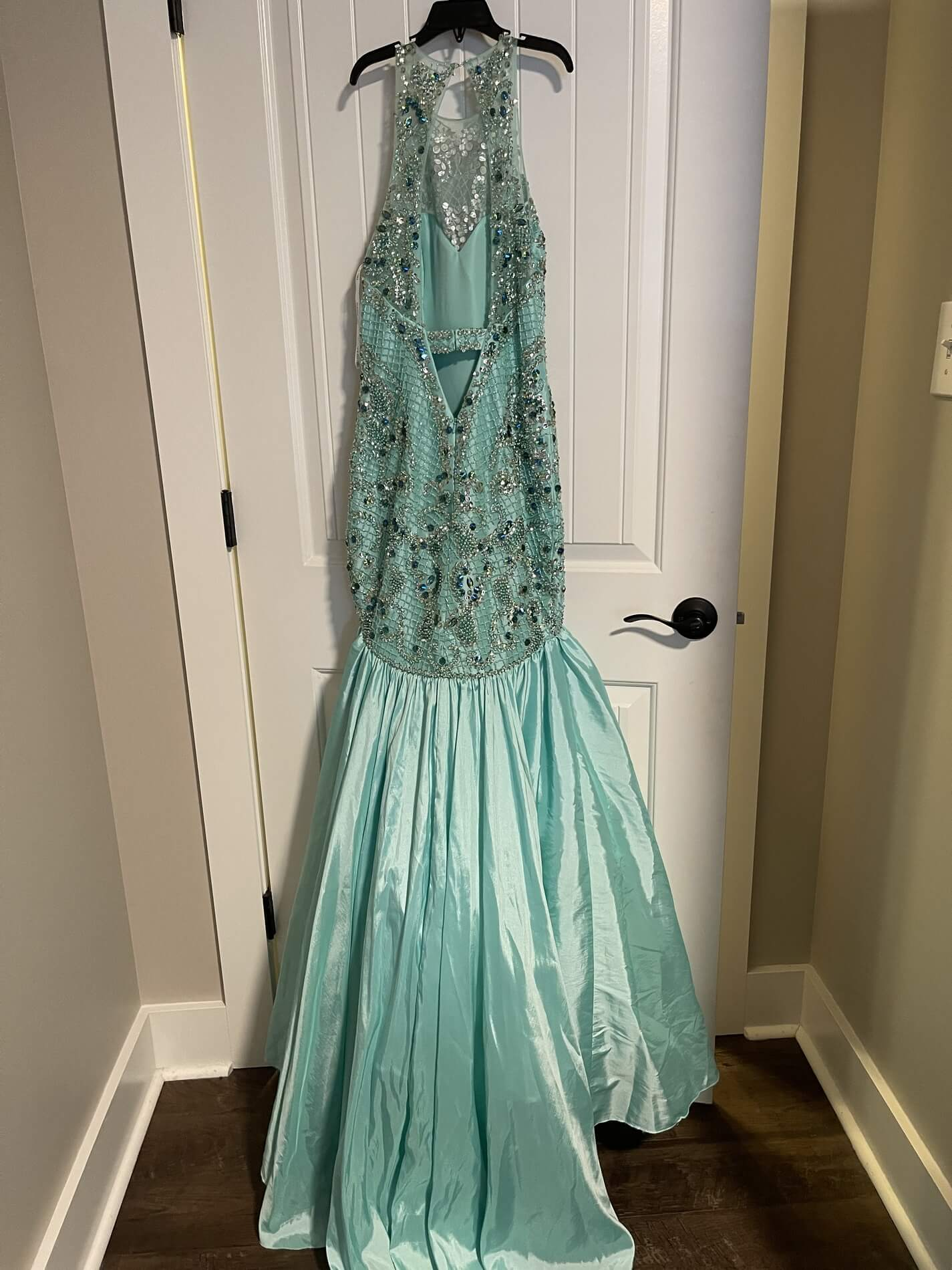 Sherri Hill Green Size 0 Prom Pageant Halter Mermaid Dress on Queenly