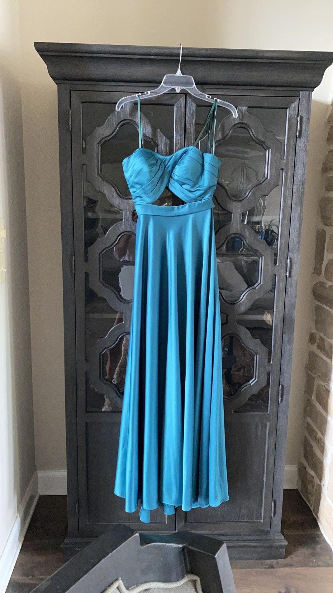 La Femme Green Size 8 Sweetheart A-line Dress on Queenly