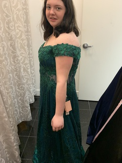 Green Size 18 Ball gown on Queenly