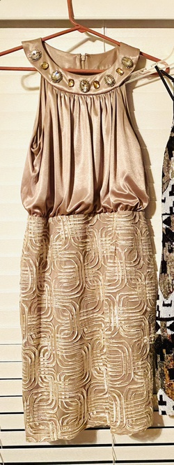 Jessica Howard Evenings Gold Size 4 Homecoming Wedding Guest Cocktail Dress on Queenly