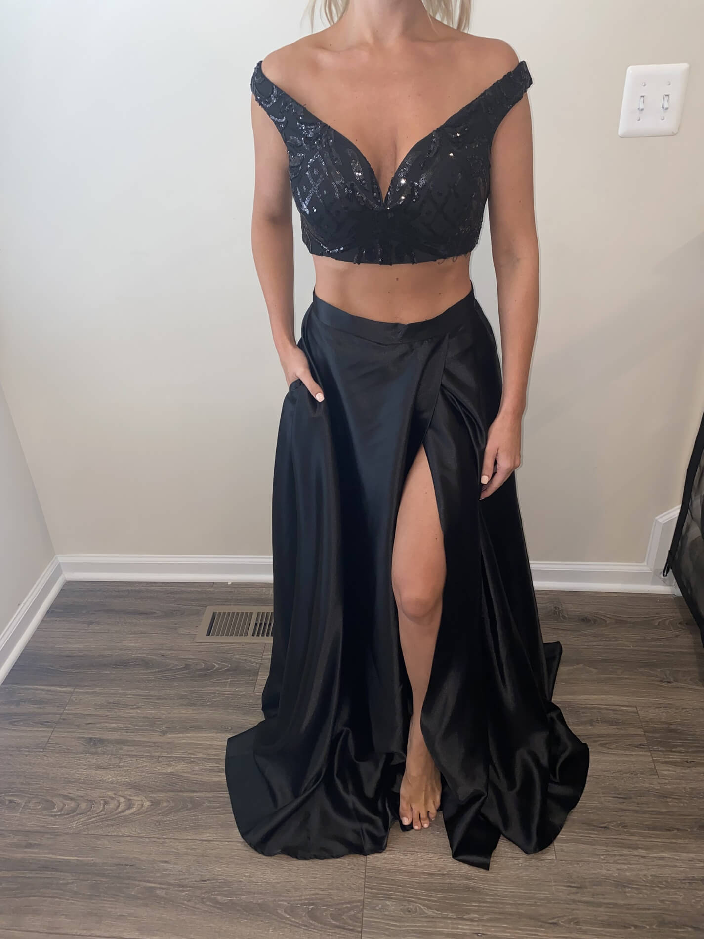 Windsor Black Size 4 Ball gown on Queenly