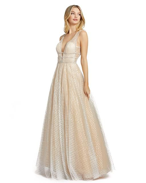 Style 77402 Mac Duggal Nude Size 18 Backless Tall Height Ball gown on Queenly