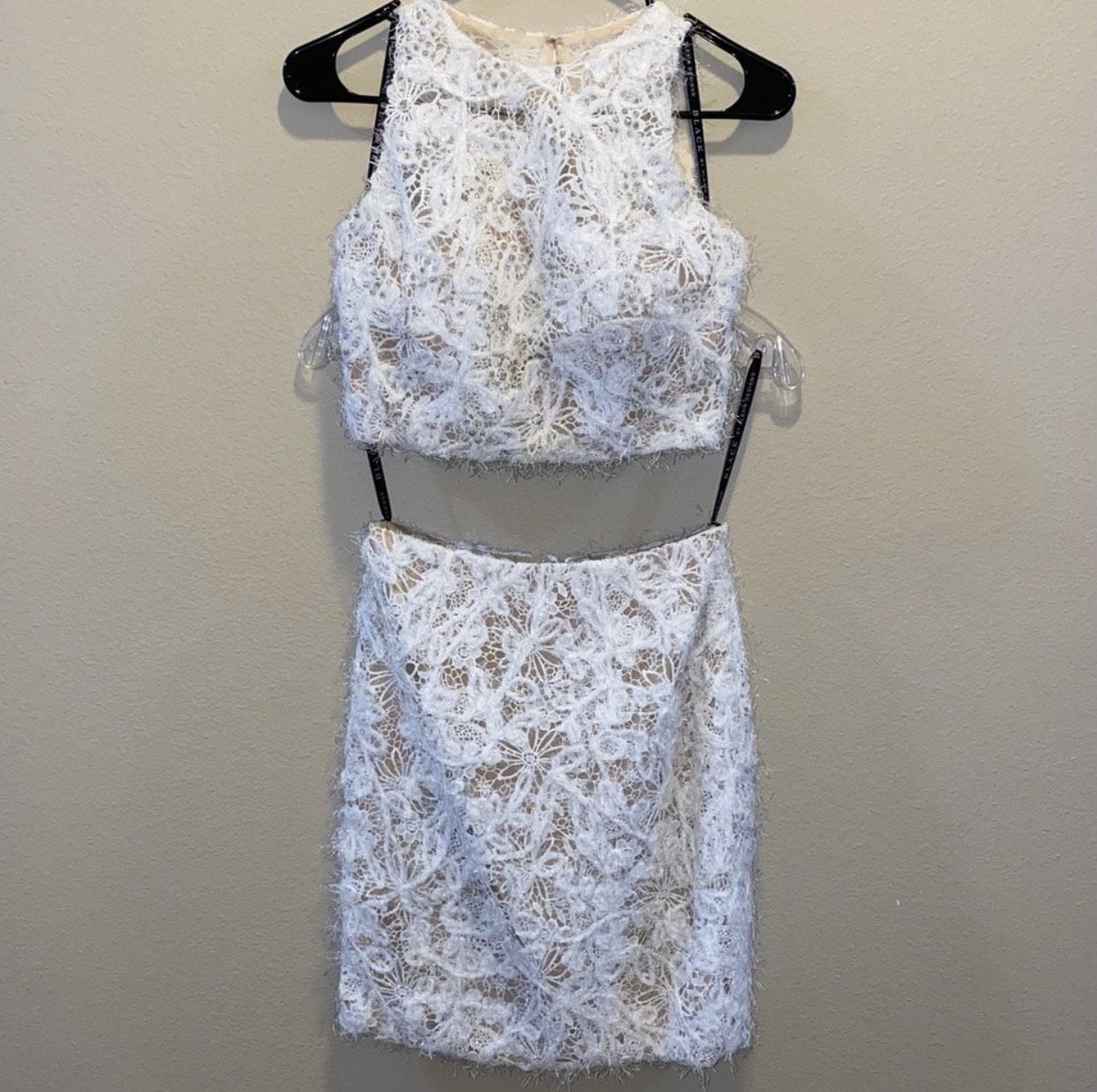 Black by Alexia Designs White Size 2 Lace Mini Cocktail Dress on Queenly