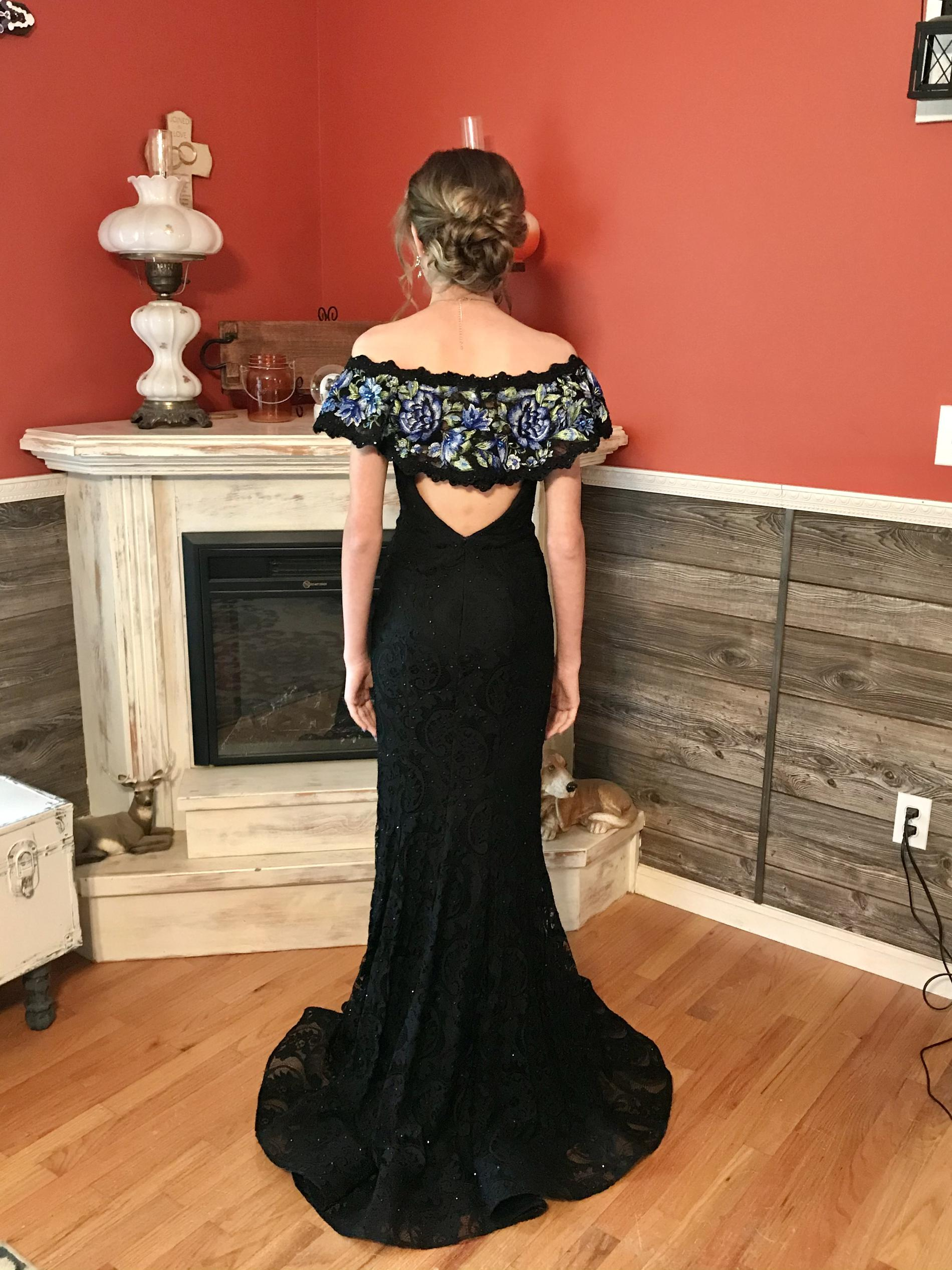 Ellie Wilde Black Size 00 Prom Plunge Mermaid Dress on Queenly