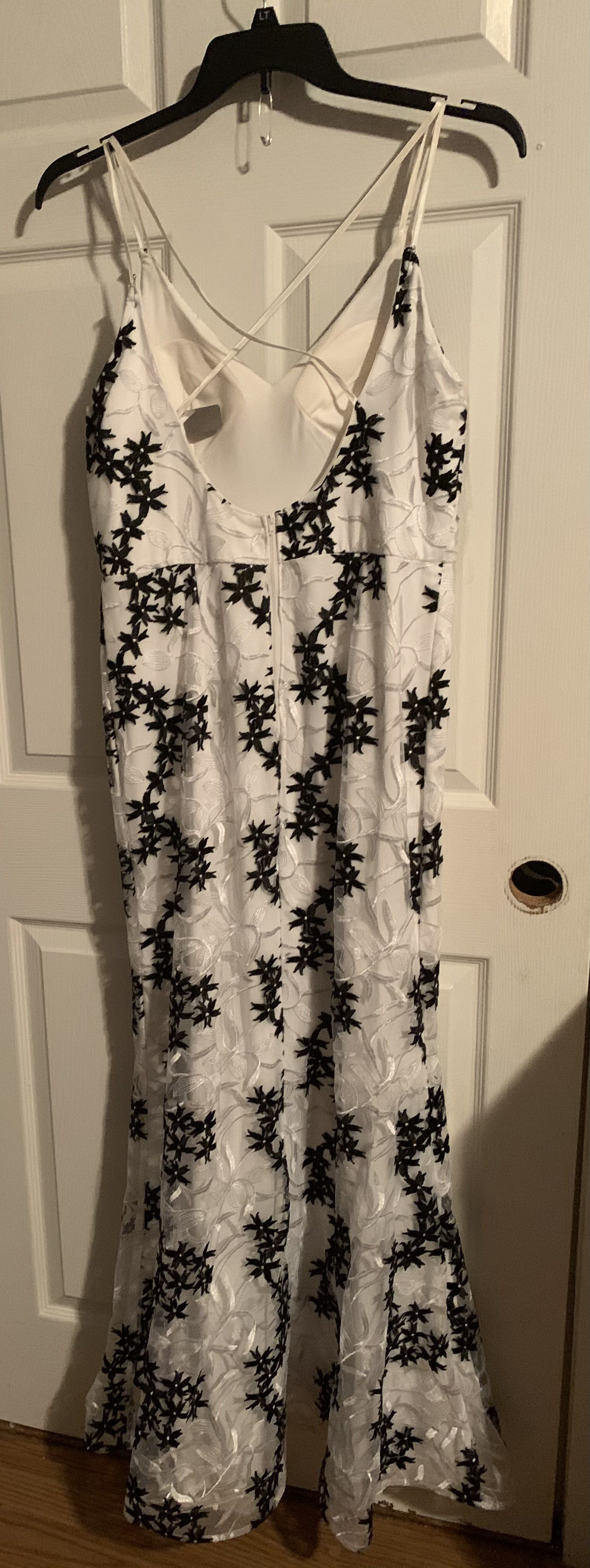 White Size 16 Straight Dress on Queenly