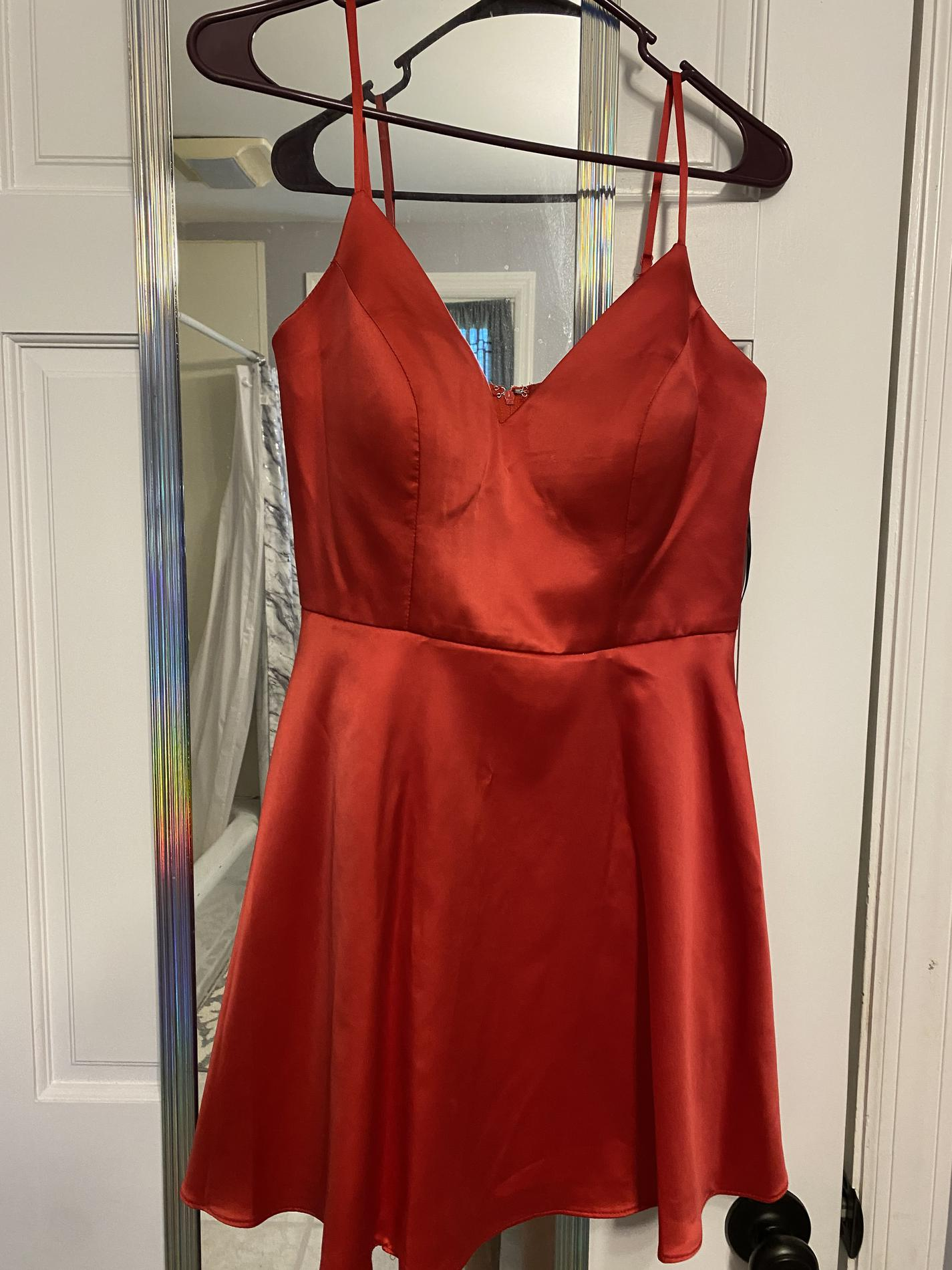 Windsor Red Size 2 Polyester V Neck Homecoming A-line Dress on Queenly
