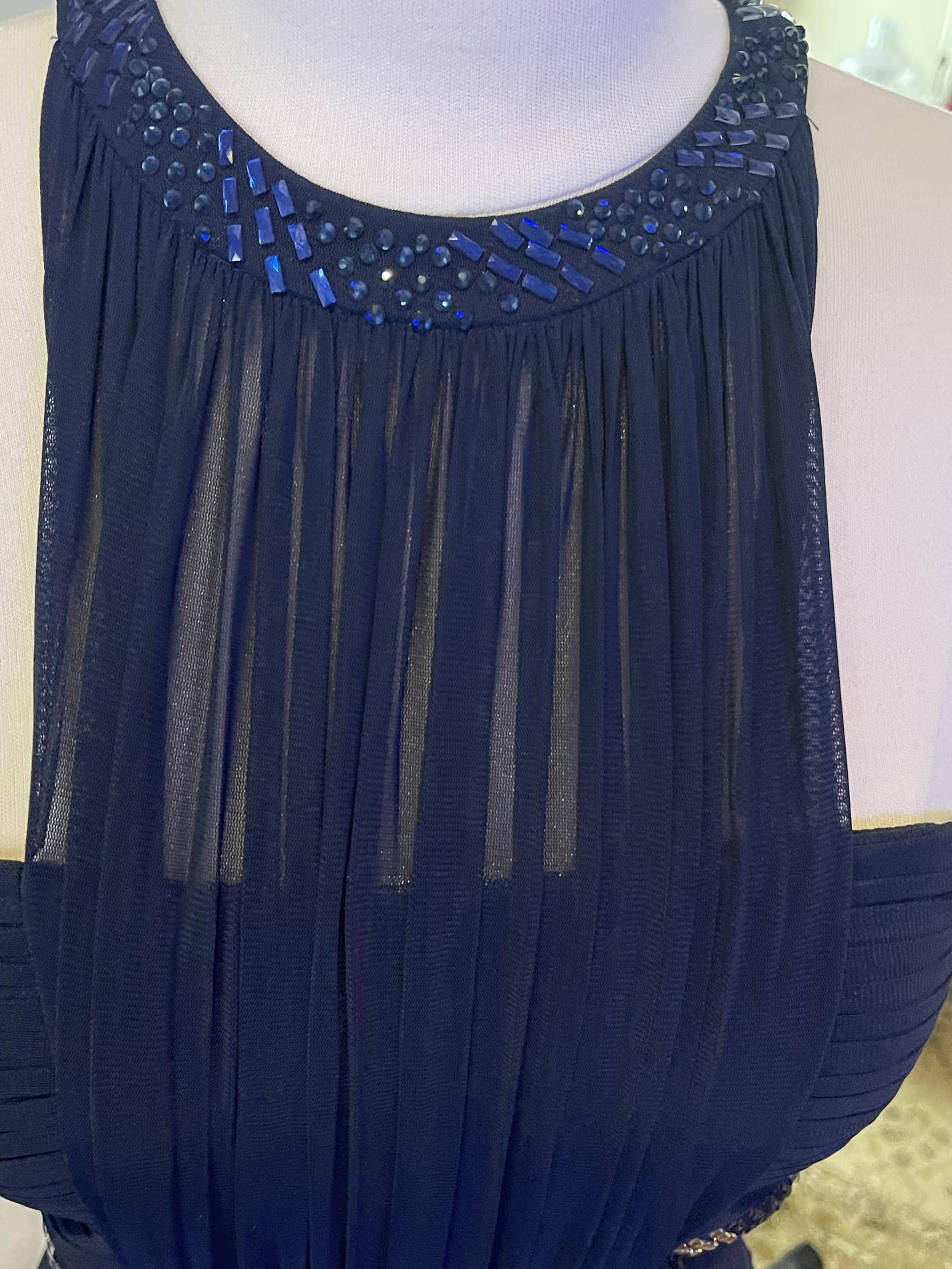 La Femme Blue Size 4 Sequin Wedding Guest Straight Dress on Queenly