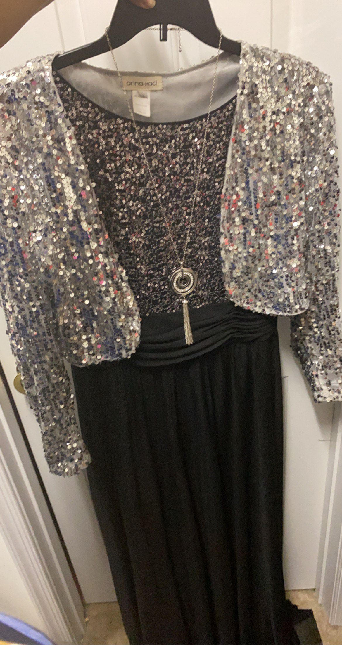 Black Size 16 Straight Dress on Queenly
