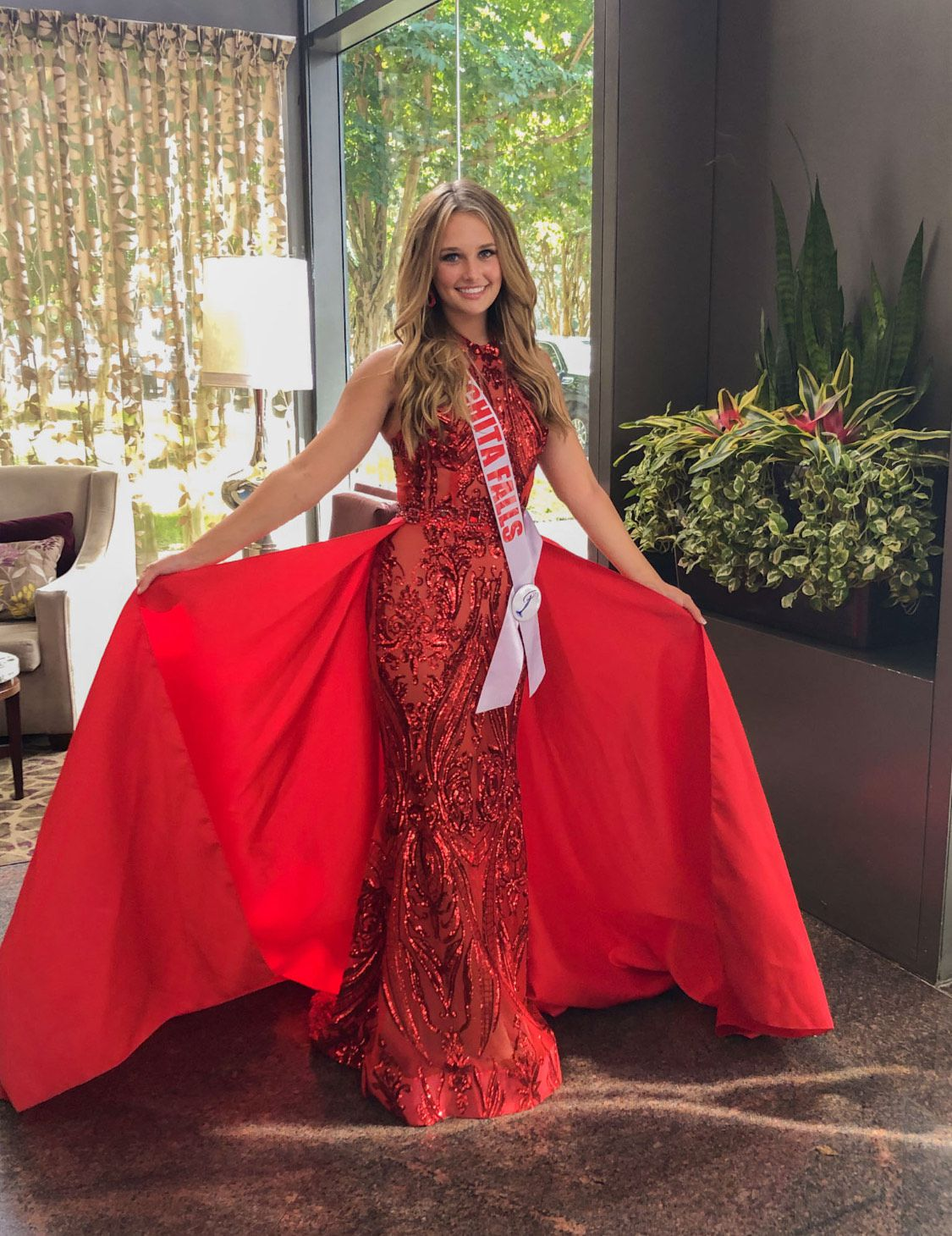 Fernando Wong Red Size 2 Pageant Train Dress on Queenly