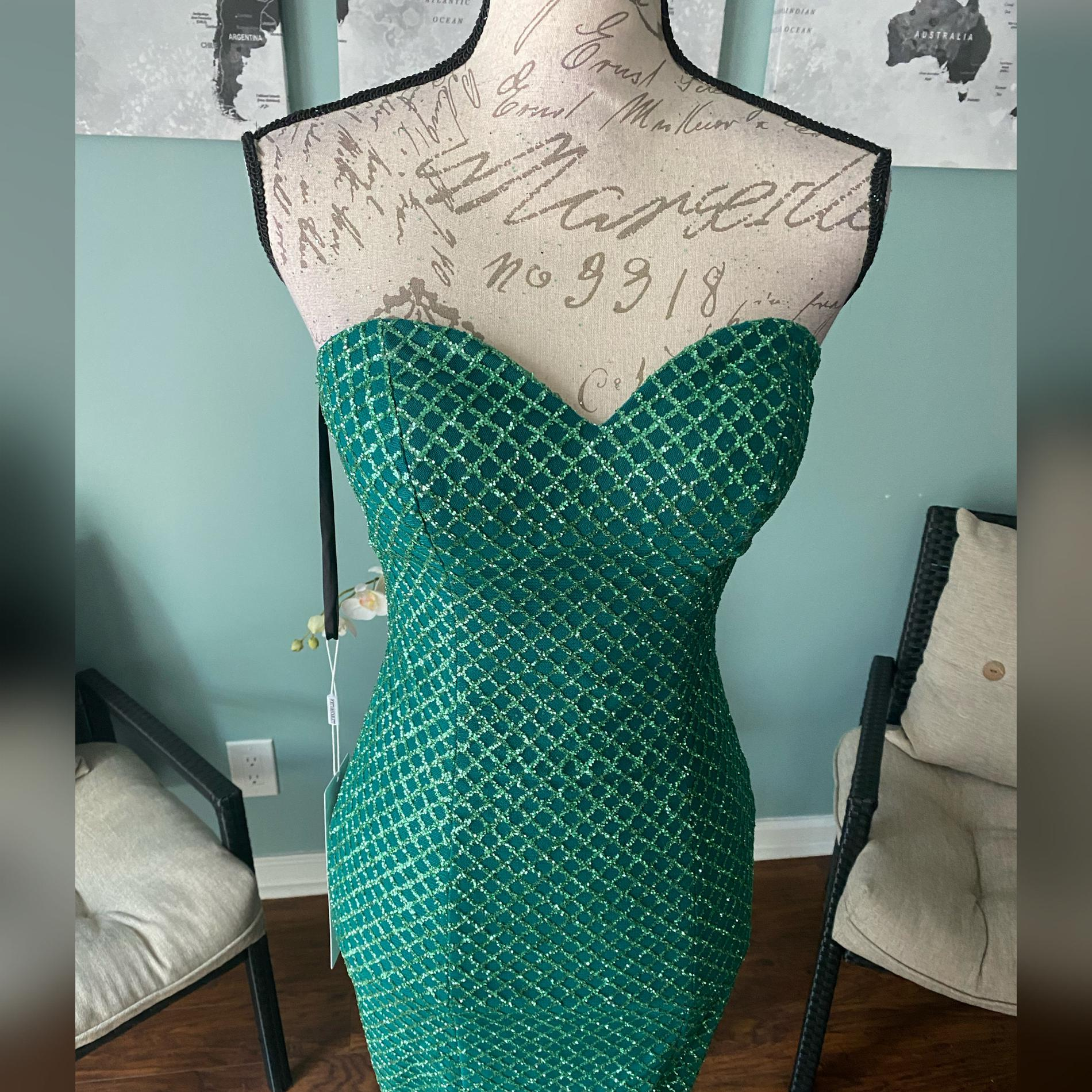 Portia & Scarlett Green Size 2 Pageant Homecoming Mermaid Dress on Queenly