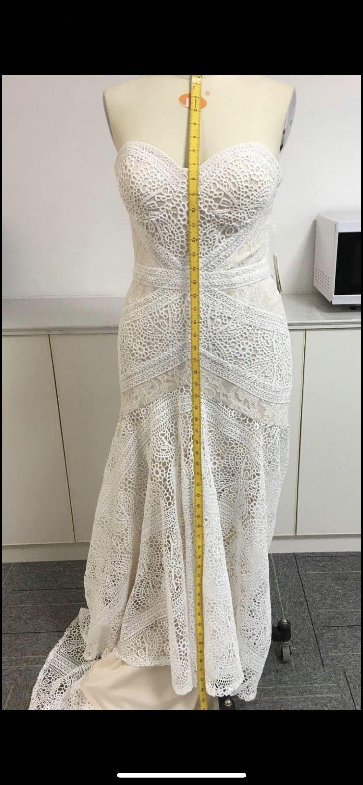 Liposa White Size 8 Medium Height Short Height Mermaid Dress on Queenly