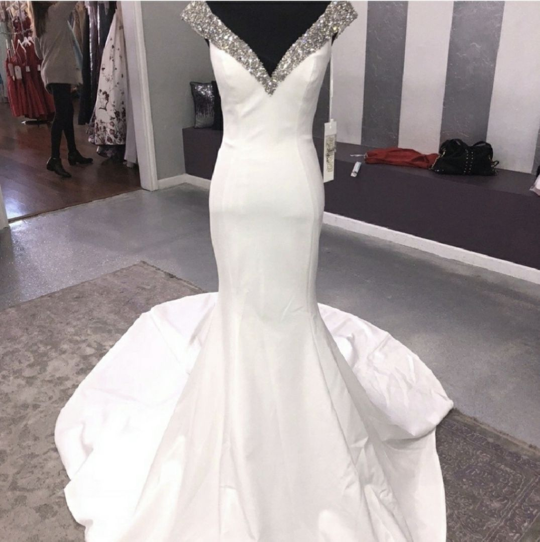 Jovani Couture White Size 2 Wedding Jersey Pageant Ball gown on Queenly