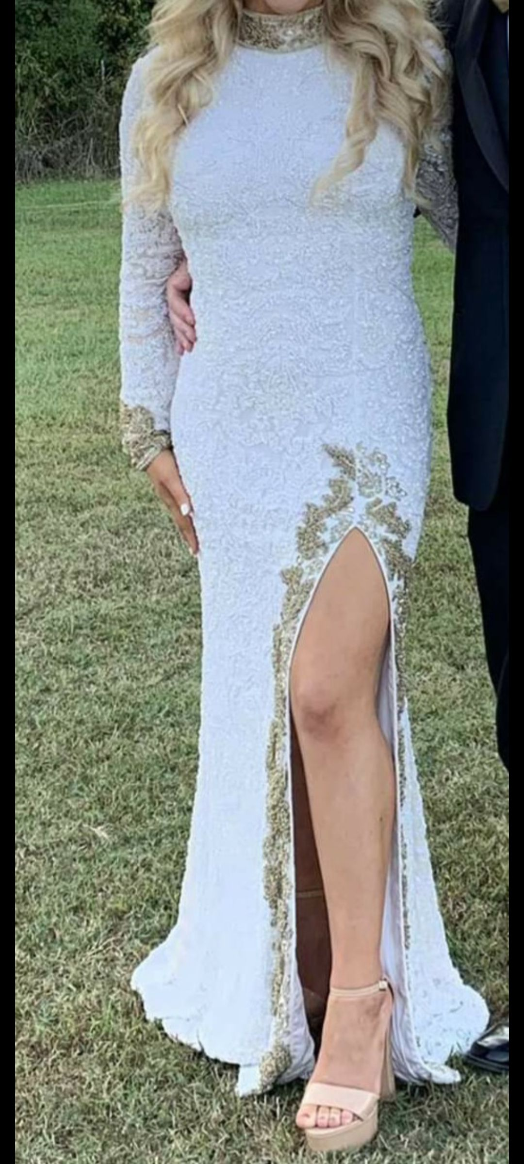 Sherri Hill White Size 2 Fitted Fully-beaded Gold Side slit Dress on Queenly