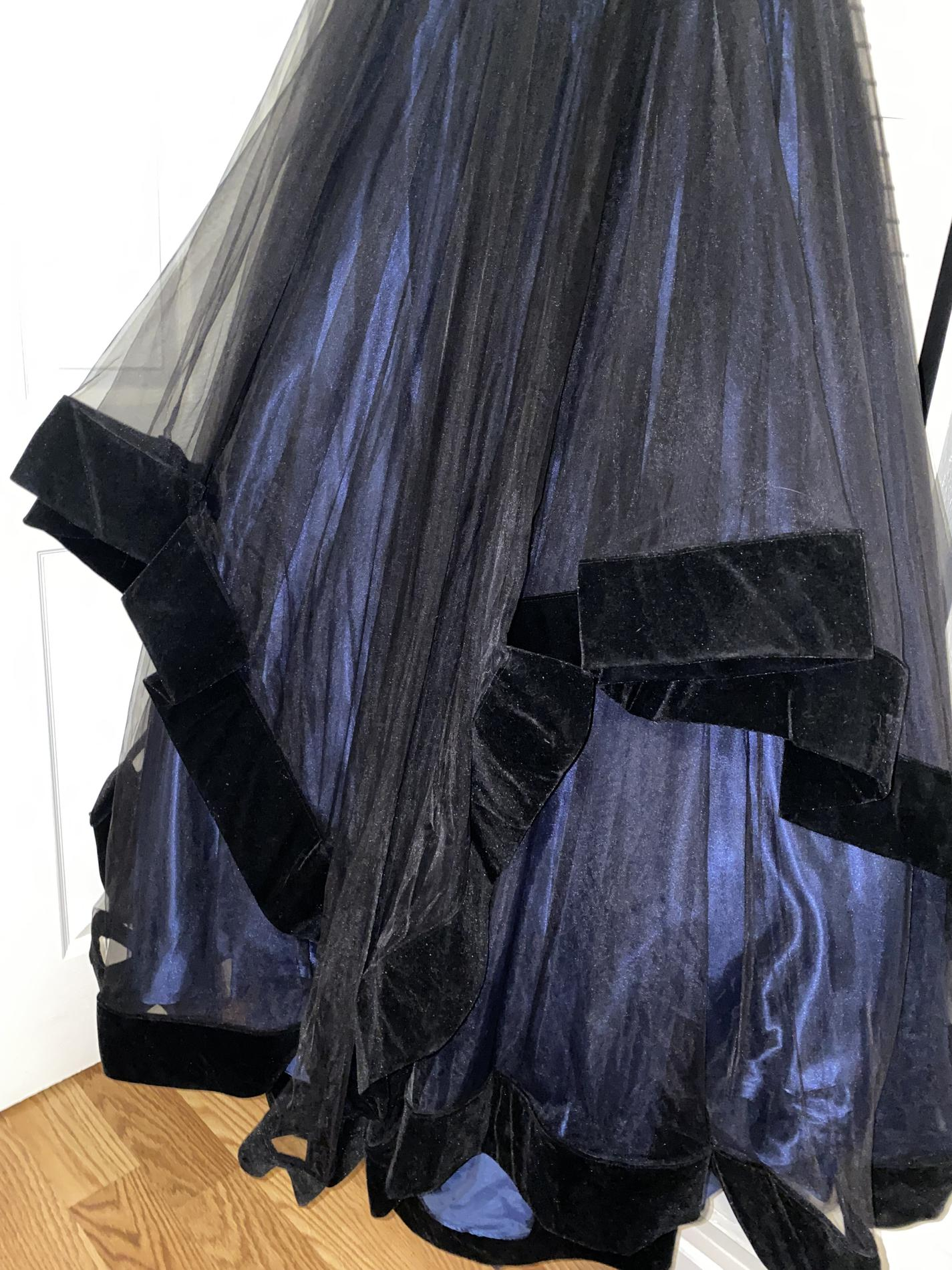 Mac Duggal Black Size 8 Backless Navy Prom Tulle Silk Ball gown on Queenly