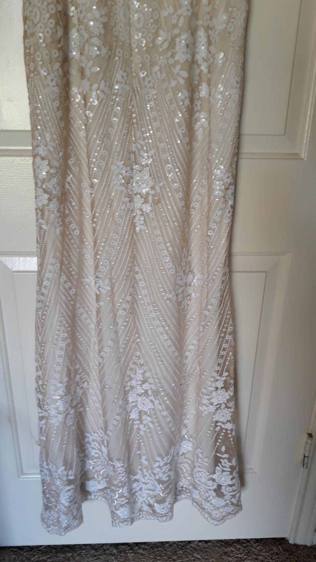 ADRIANNA PAPELL  White Size 14 Plus Size Nude Boat Neck Boho Mermaid Dress on Queenly