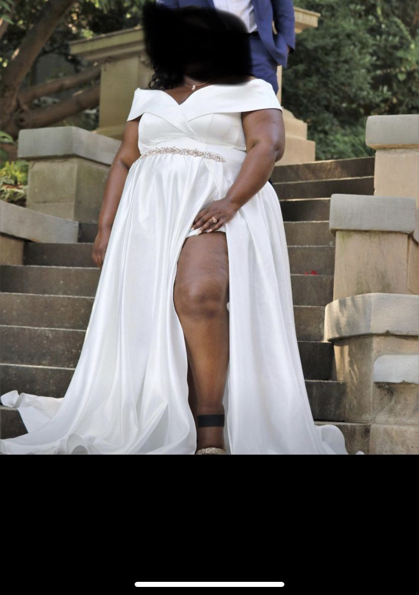 White Size 22 Train Dress on Queenly