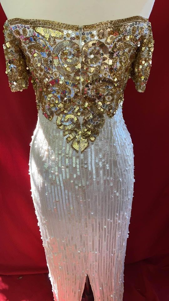 Vintage Black Tie  White Size 10 Fully-beaded Gold Sleeves A-line Dress on Queenly