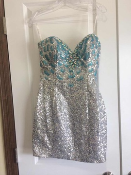 Mac Duggal Silver Size 2 Jewelled Sequin Cocktail Dress on Queenly