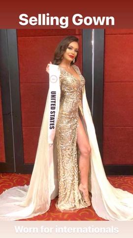 Jovani Gold Size 2 Side slit Dress on Queenly