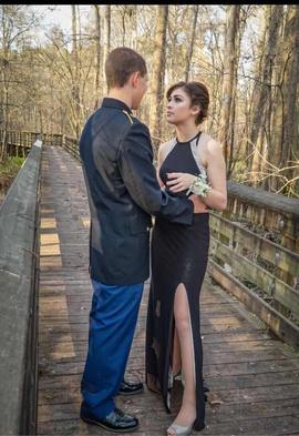 Black Size 4 Side-slit Dress on Queenly