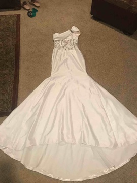 Queenly size 0 Gregory Ellenberg White Mermaid evening gown/formal dress