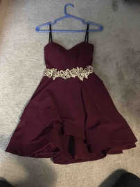 Red Size 2 Cocktail Dress on Queenly