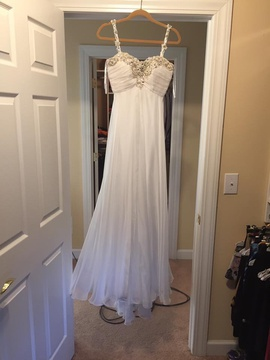 Queenly size 0 Sherri Hill White Straight evening gown/formal dress
