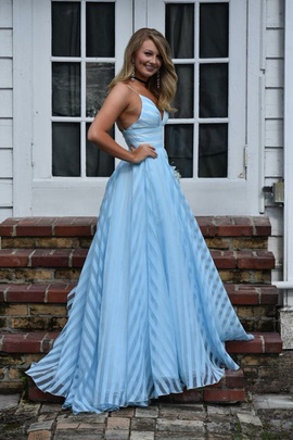 Sherri Hill Blue Size 0 V Neck Prom Ball gown on Queenly