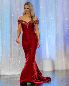 Queenly size 6 Sherri Hill Red Mermaid evening gown/formal dress