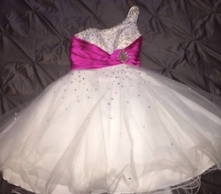 Queenly size 4 Mori Lee White Cocktail evening gown/formal dress