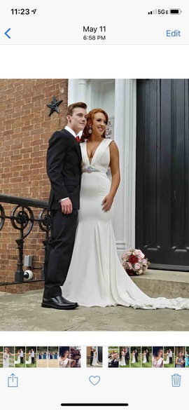 Johnathan Kayne White Size 6 Mermaid Dress on Queenly