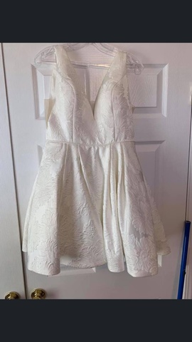 Queenly size 6 Sherri Hill White Cocktail evening gown/formal dress