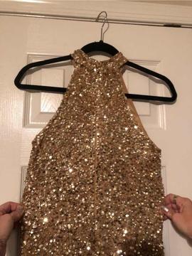 Ashley Lauren Gold Size 4 Halter Sequin Cocktail Dress on Queenly