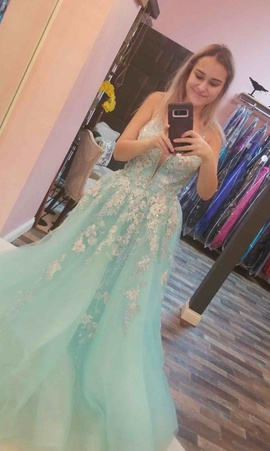 Ellie Wilde Blue Size 6 Prom Ball gown on Queenly