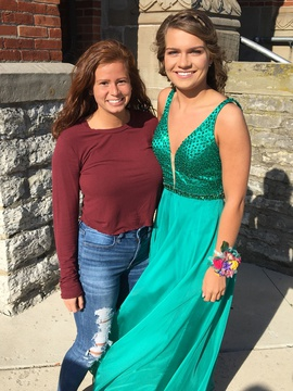Sherri Hill Green Size 2 Straight Dress on Queenly