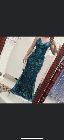 Queenly size 6  Green Straight evening gown/formal dress