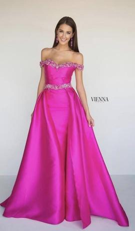 Queenly size 0 Vienna Pink Train evening gown/formal dress
