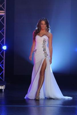 Fernando Wong White Size 2 Strapless Beaded Custom Side slit Dress on Queenly