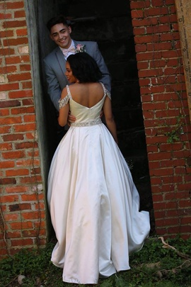 Sherri Hill White Size 6 Prom Belt Sequin Ball gown on Queenly