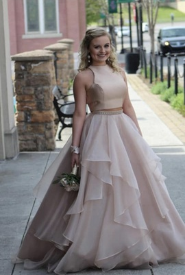 Sherri Hill Nude Size 4 Ball gown on Queenly