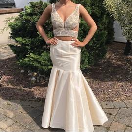 Queenly size 0 Vienna Gold Mermaid evening gown/formal dress
