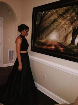 Sherri Hill Black Size 2 Side slit Dress on Queenly