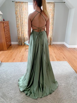 Queenly size 00 Faviana Green A-line evening gown/formal dress