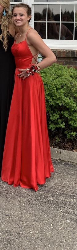 Sherri Hill Red Size 0 Corset Prom Straight Dress on Queenly
