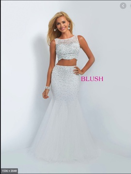 Queenly size 6 Blush White Mermaid evening gown/formal dress
