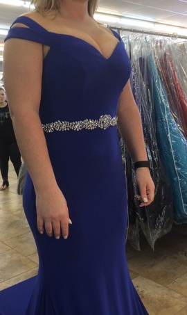 Blue Size 8 Train Dress on Queenly