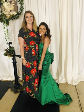Queenly size 00 Mac Duggal Green Ball gown evening gown/formal dress