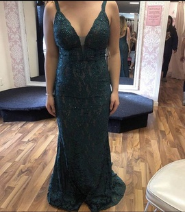 Queenly size 6 Jovani Green Straight evening gown/formal dress
