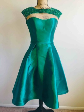 Queenly size 4  Green Cocktail evening gown/formal dress